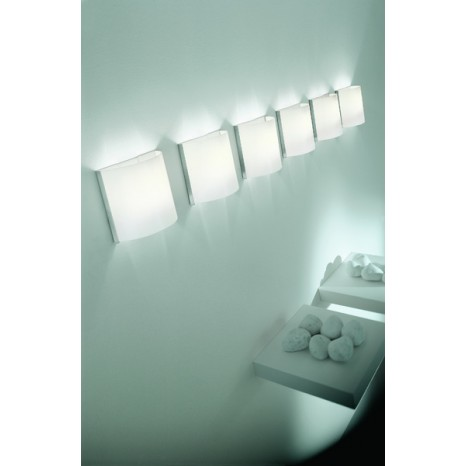 Aa' 20 Wall + Bulbs