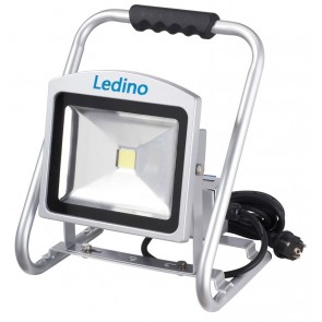 LED-Strahler m. Steckd. Dahlem30SCD, 30W, 6500K, silb.