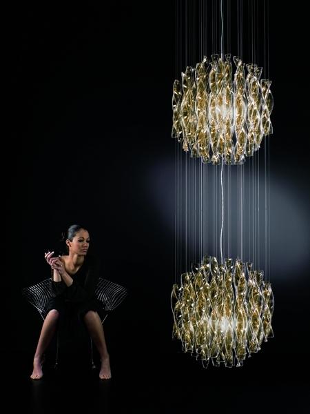 axo-light-kronleuchter-sp-au-60-2-aura-gold-rot-transparent-metall-glas-spau60-2rsore27